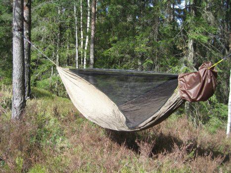 Hengekøye med avtagbart myggnett, tredje kapittel